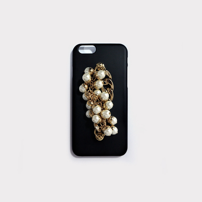 pearl gold chain black case