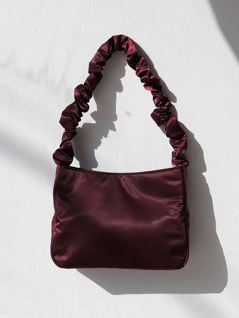 shirring shoulder bag - wine