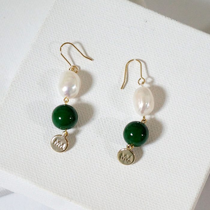 pearl green MM earring