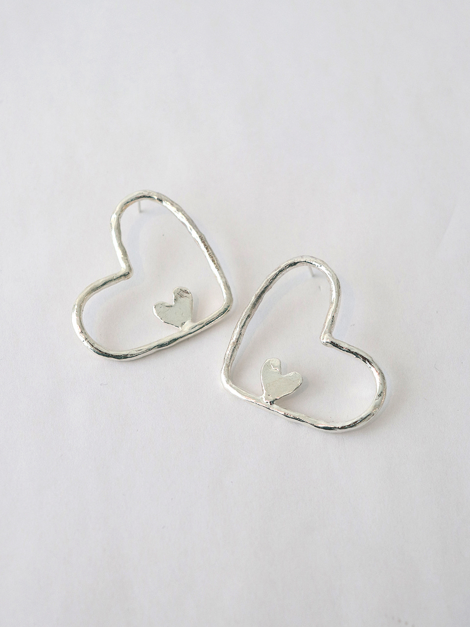 love carry earring