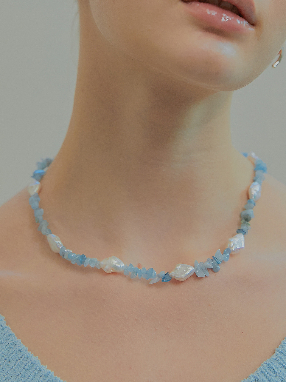 aqua diamond necklace (choker)